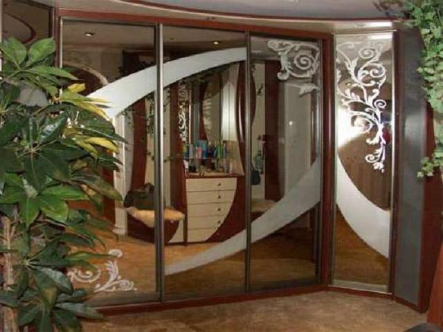 http://sv-mebli.com.ua/images/Gallery/Shkaf/shkafy-kupe-uglovye-019.jpg