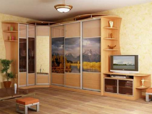 http://sv-mebli.com.ua/images/Gallery/Shkaf/shkafy-kupe-uglovye-027.jpg