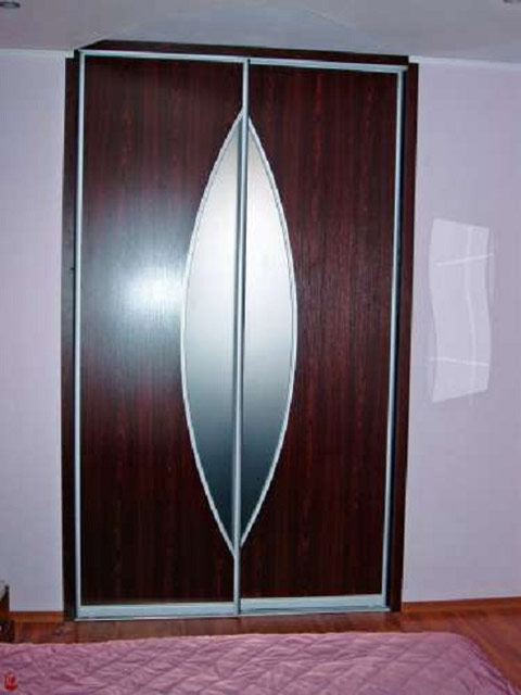 http://sv-mebli.com.ua/images/Gallery/Shkaf/shkafy-kupe-vstroennye-010.jpg