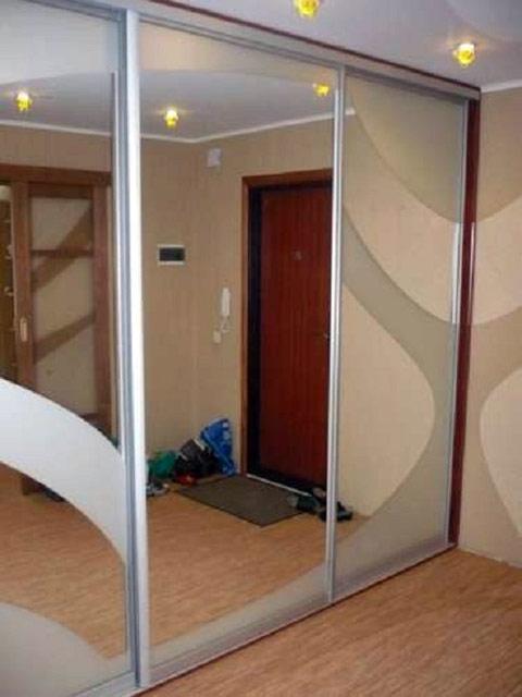 http://sv-mebli.com.ua/images/Gallery/Shkaf/shkafy-kupe-vstroennye-012.jpg