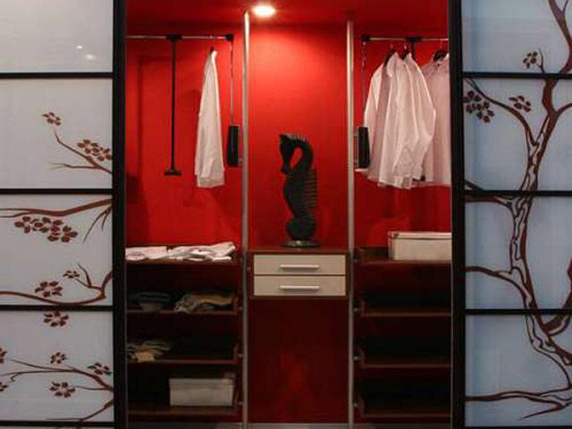 http://sv-mebli.com.ua/images/Gallery/Shkaf/shkafy-kupe-vstroennye-030.jpg